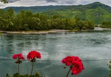 srbija reka drina odmor leto