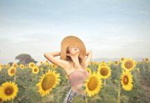 srećna-cevojka-polje-suncokreta